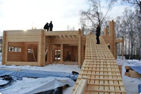 6 доводов построить дом из клееного бруса зимой